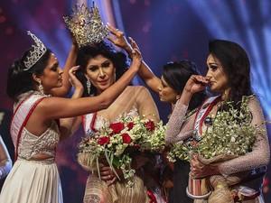 Perseteruan Ratu Kecantikan Bergelar Nyonya: Mrs World Vs Mrs Sri Lanka