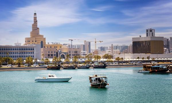 Berada di semenanjung Jazirah Arab, Qatar punya laut yang indah.