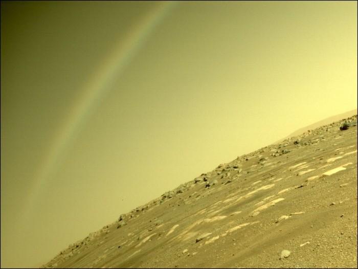 Penampakan pelangi di Mars