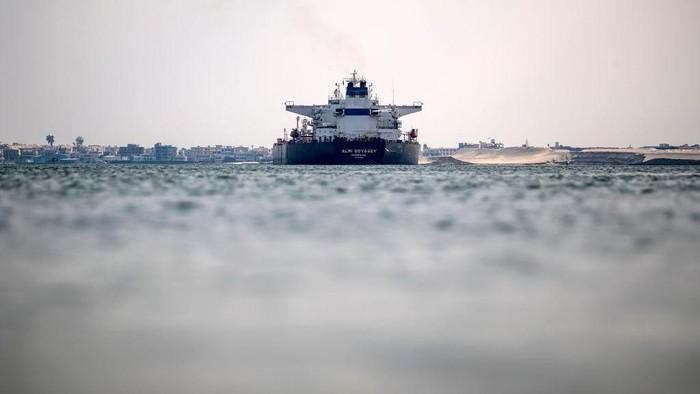 Potret Terusan Suez Jadi Primadona Kapal Eropa