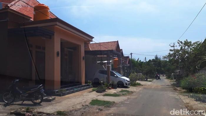 Masih ingat dengan Kampung Miliarder di Tuban yang viral karena banyak warganya memborong mobil? Begini kondisinya saat ini.