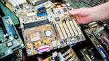 Daur Ulang Emas dari Limbah Elektronik