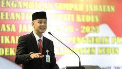 Ganjar Capres Favorit di Survei, PDIP Tunggu Sinyal Megawati