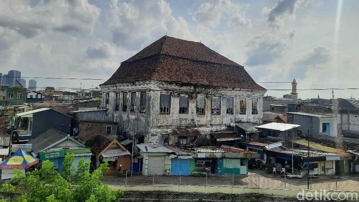 gedung setan surabaya