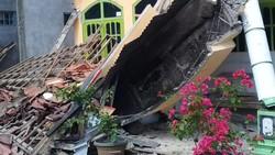 Lebih 300 Rumah-7 Kantor Pemerintah Rusak Akibat Gempa Malang M 6,1