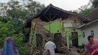6 Orang Tewas Akibat Gempa M 6,1 Malang