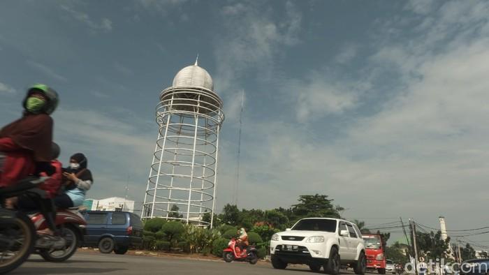 Tugu Pamulang di bundaran Pamulang, 10 April 2021. (Andhika Prasetia/detikcom)