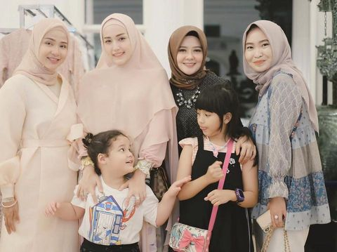 Ussy Fauziah, Adelia Pasha, NIta Nurul dan Hartini Chairudin.