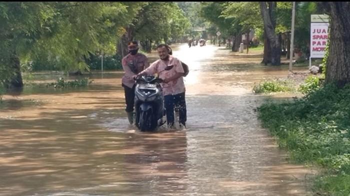 banjir di ngawi akibat luapan sungai madiun