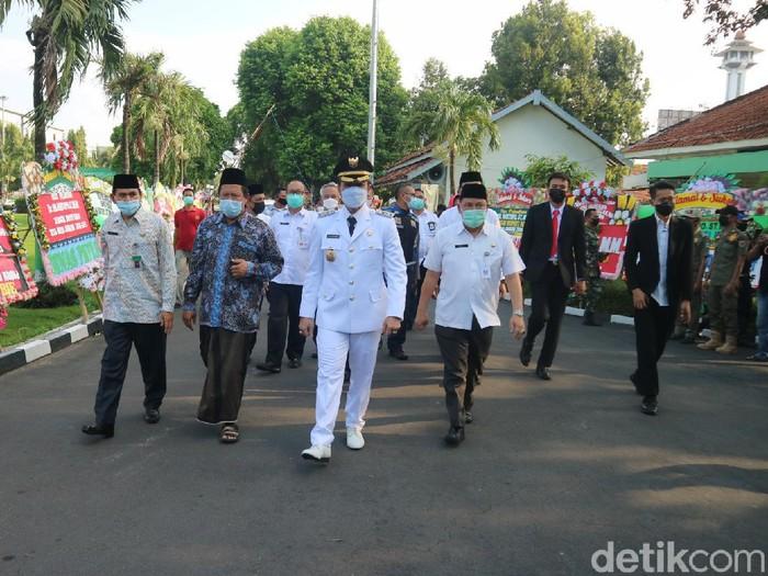 Bupati Kudus HM Hartopo selepas dilantik dan tiba di Pendapa Kabupaten Kudus, Jumat (9/4/2021).