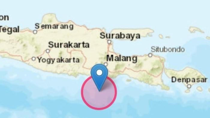 Gempa bumi kembali terjadi di Malang, Jawa Timur. Kali ini berkekuatan Magnitudo (M) 5.5. Gempa yang terjadi pukul 06:54 WIB, Minggu (11/4/2021) ini tidak berpotensi menimbulkan tsunami.