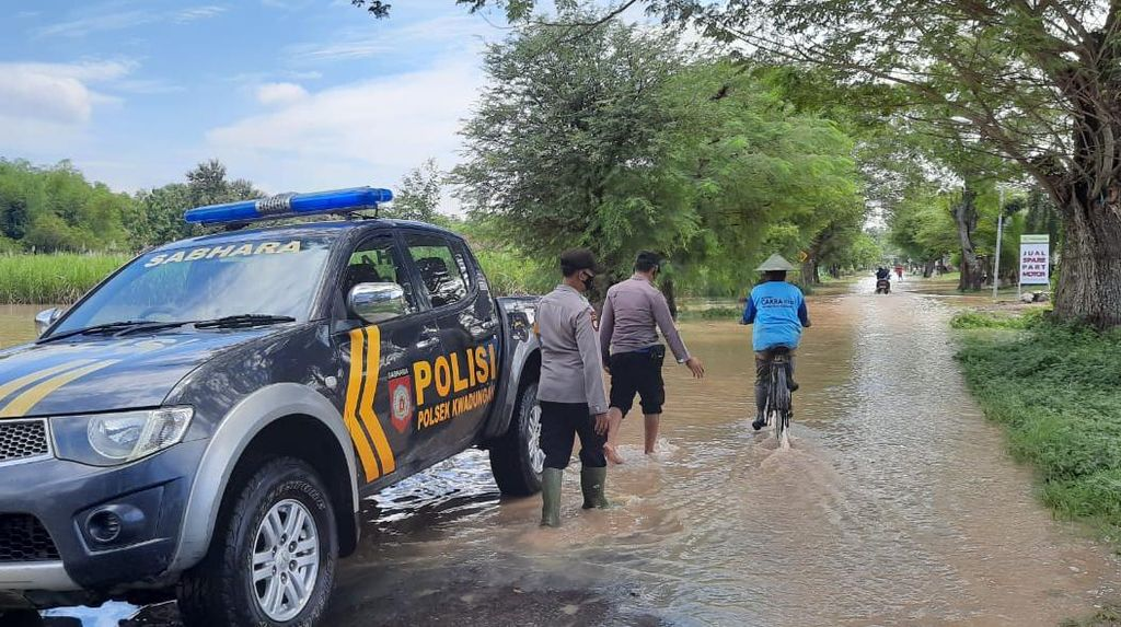 Sungai di Madiun Mulai Meluap Usai Diguyur Hujan 6 Jam, Ngawi Siaga Banjir
