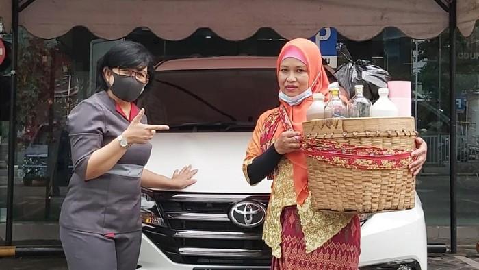 Kisah pedagang jamu beli Toyota Rush