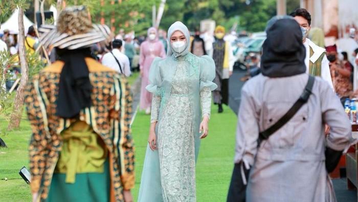 Menjelang Ramadan, digelar festival yang menyajikan berbagai produk makanan-minuman halal di kawasan wisata Pantai Marina Boom, Sabtu-Minggu (10-11 April 2021)