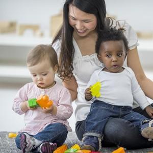 Crazy Rich Buka Lowongan Pengasuh Anak, Gajinya Rp 1,4 M per Tahun