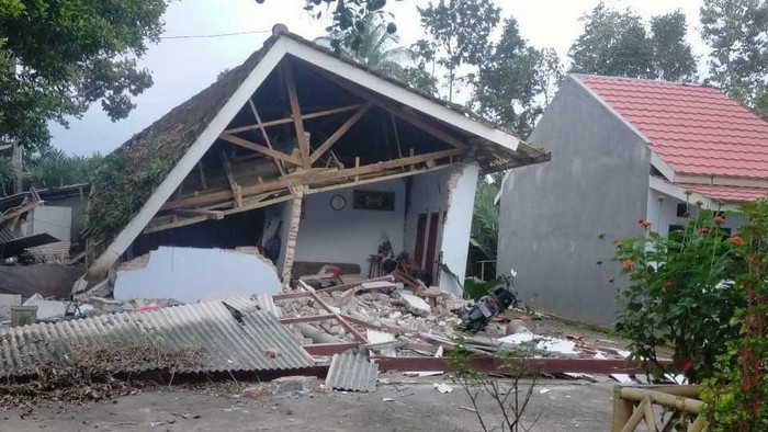 Salah satu rumah yang terdampak gempa