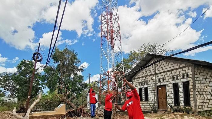 Telkomsel terus berupaya memulihkan layanan telekomunikasi, seperti telepon hingga akses internet pasca banjir bandang yang menerjang wilayah Provinsi Nusa Tenggara Timur (NTT).