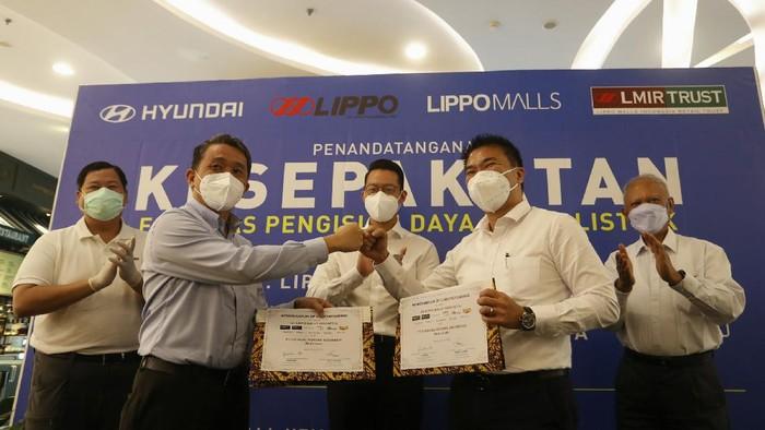 PT Lippo Malls Indonesia bersama dengan PT Hyundai Motors Indonesia bersinergi meyediakan layanan Fasilitas Charging Mobil Listrik.