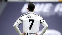 Juventus Menang Lawan Genoa, Ronaldo Ngamuk Tonjok Tembok?