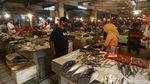 Harga Daging Sapi Meroket, Emak-emak Pilih Belanja Ikan