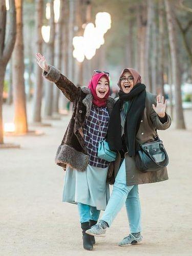 Hartini Chairudin (kiri) dan Ghaida Putri Hidayatul (kanan).