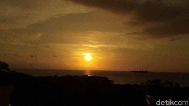 Hilal belum terpantaundi Makassar karena faktor cuaca (Hermawan Mappiwali/detikcom)