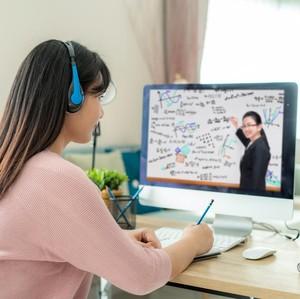 7 Tempat Kursus Bahasa Inggris Online dan Kisaran Biayanya