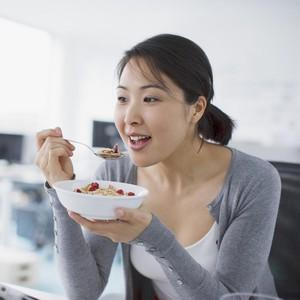 5 Cara Menghipnotis Diri Sendiri yang Bisa Bantu Penurunan Berat Badan