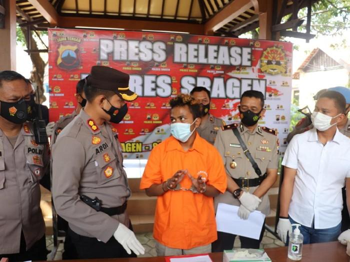 Jumpa pers kasus pembunuhan wanita yang mayatnya ditemukan di Waduk Kembangan, Sragen, Senin (12/4/2021).