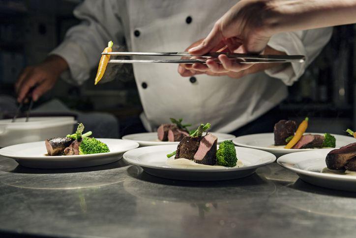 Kenapa Makanan Mahal di Restoran Mewah Porsinya Malah Sedikit?
