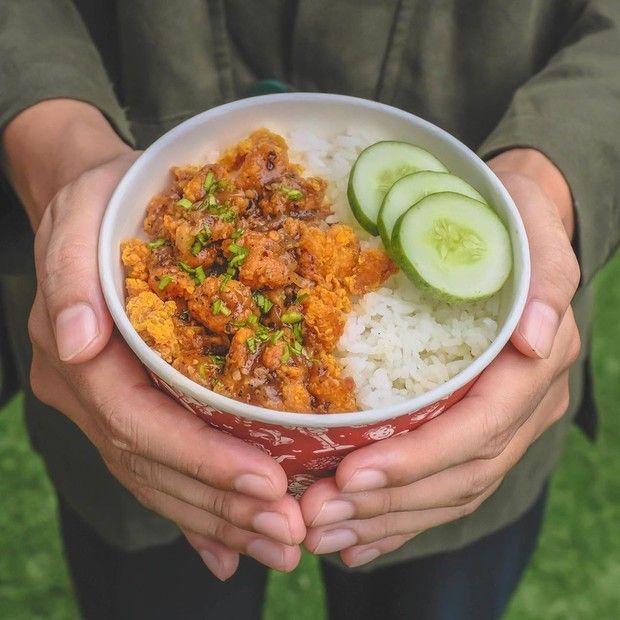 Luna Maya Hobi Kulineran hingga Punya Bisnis Rice Bowl