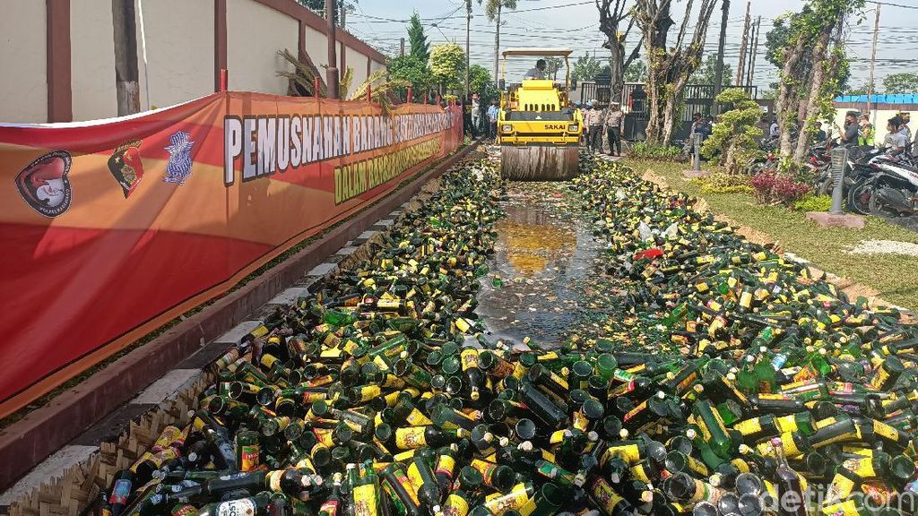 Jelang Ramadhan di Sukabumi dan Karawang, Knalpot Bising Dimusnahkan