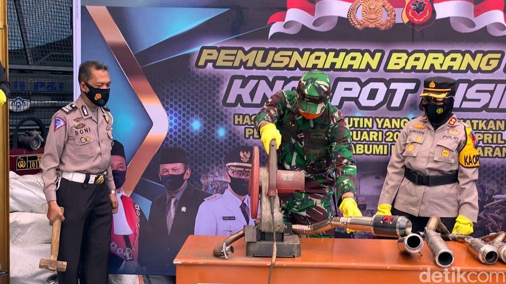 Pemusnahan Knalpot Bising di Sukabumi