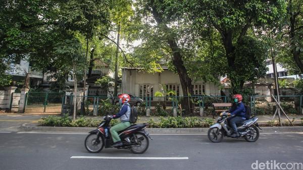 Pada 19 Agustus 2016, Menteri Luar Negeri (Menlu) Retno Marsudi pernah mengunjungi rumah tersebut untuk napak tilas dalam rangka Ulang Tahun Kemlu ke-71. Retno mengatakan, rumah tersebut tak hanya menjadi kediaman, tapi juga saksi awal berdirinya Kemlu. Foto: Ari Saputra