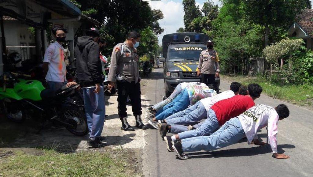 Puluhan Siswa Konvoi Tanpa Prokes Dihukum Push Up di Banyuwangi