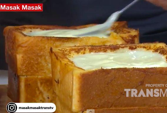 Roti Panggang Vla Stroberi