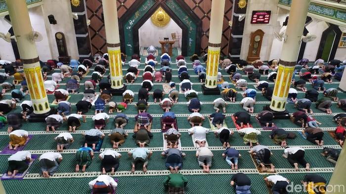 Salat tarawih pertama di Masjid Agung Ciamis