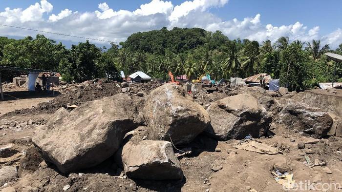 Desa Nelelamadike, Ila Boleng di Flores Timur menjadi salah satu daerah yang terdampak paling parah bencana banjir dan longsor Nusa Tenggara Timur (NTT).