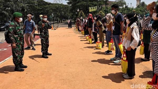 Sebelumnya, kegiatan ini dibagi menjadi 250 hingga 300 orang setiap harinya. Terhitung sejak lima hari lalu kegiatan ini berlangsung.