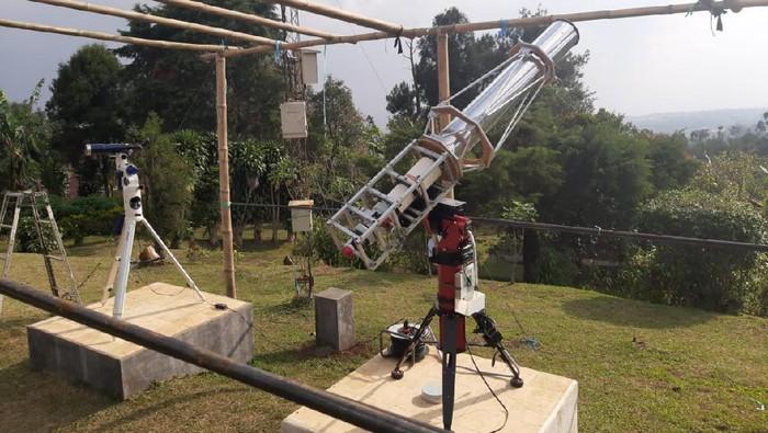 Teleskop yang digunakan pengamatan hilal di Lembang