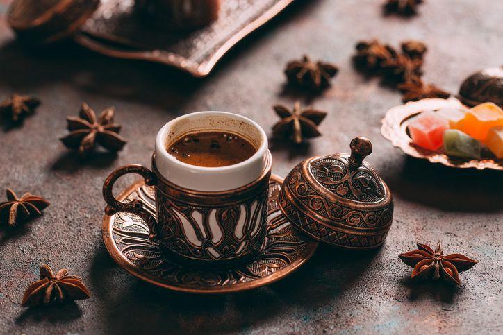 3 Tips Sehat Minum Kopi Saat Menjalani Ibadah Puasa
