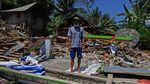 Warga Lumajang Terpaksa Rubuhkan Rumah Rusak Imbas Gempa