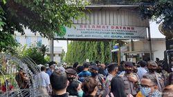 Imbas Penjagaan Sidang HRS, Warga Ingin ke PN Jaktim Ikut Tertahan