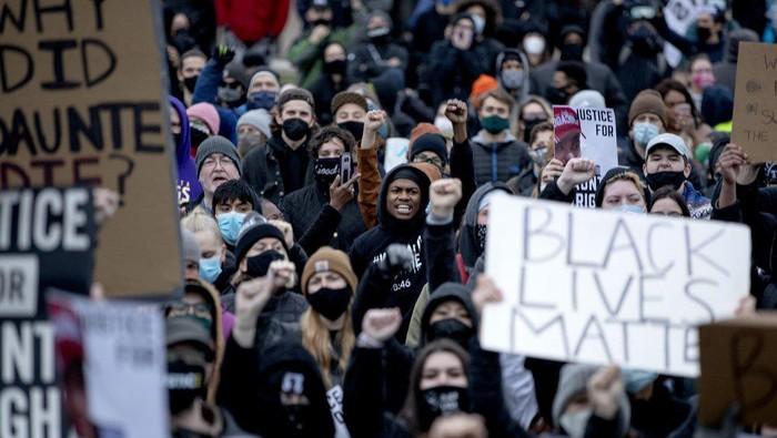 Aksi protes penembakan pria kulit hitam di AS