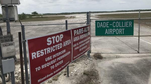 Proyek Everglades Jetport diluncurkan pada 1968, saat kabin pesawat dipenuhi asap cerutu. (Miami-Dade Aviation Department)