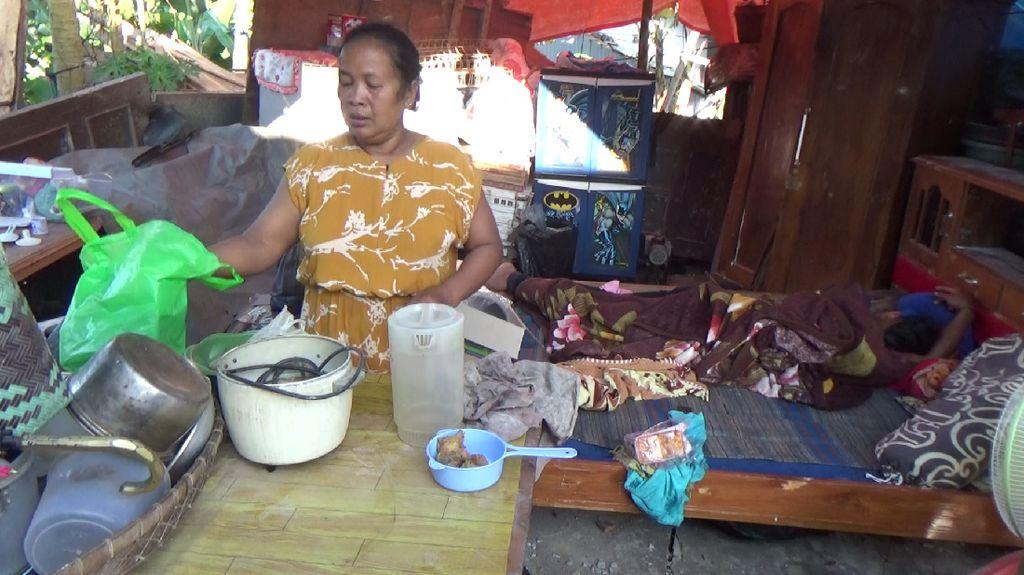 Duka Warga yang Rumahnya Ambruk Dampak Gempa Malang di Hari Pertama Puasa