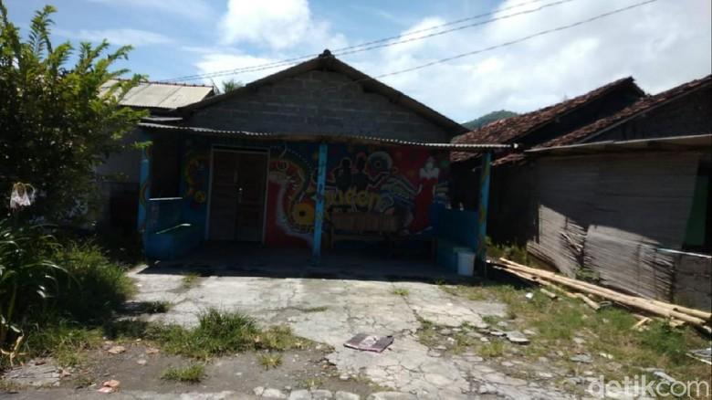 Salah satu tempat karaoke di kawasan Parangkusumo, Kalurahan Parangtritis, Kapanewon Kretek, Kabupaten Bantul tutup saat bulan ramadhan.