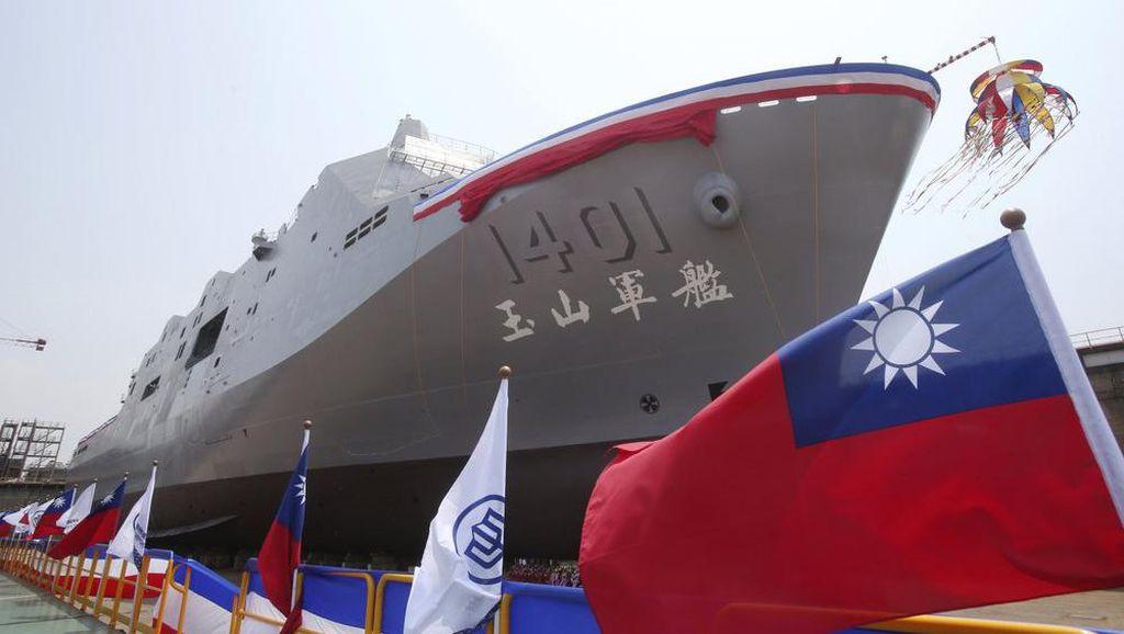 Siap Perang di Laut China Selatan, Taiwan Pamer Kapal Perang Amfibi Terbaru
