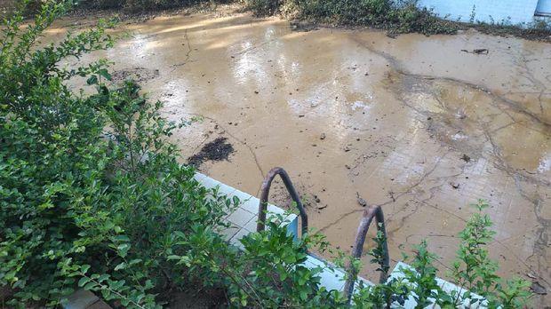 Kolam renang di lingkungan Tamperan, Kelurahan Sudiharjo, Pacitan, dipercaya menyimpan selaksa cerita horor