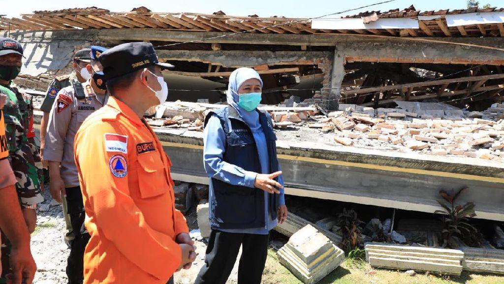 Tinjau Lokasi Gempa di Lumajang, Khofifah Minta Percepatan Penanganan